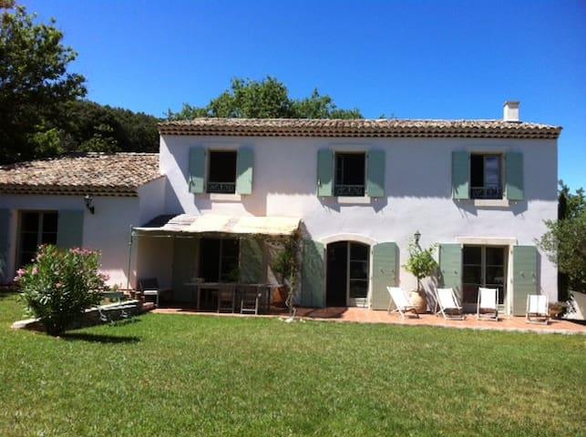 Grand et joli mas familial 250 m2  - Lussan - House