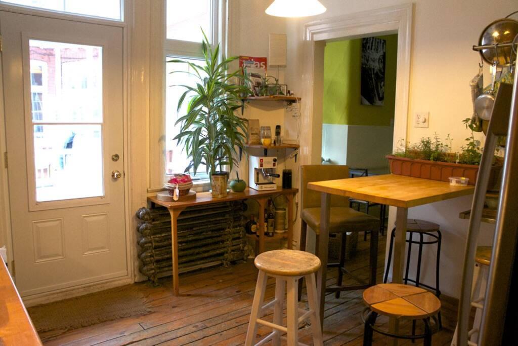 Cuisine bien équipée / Furnished kitchen