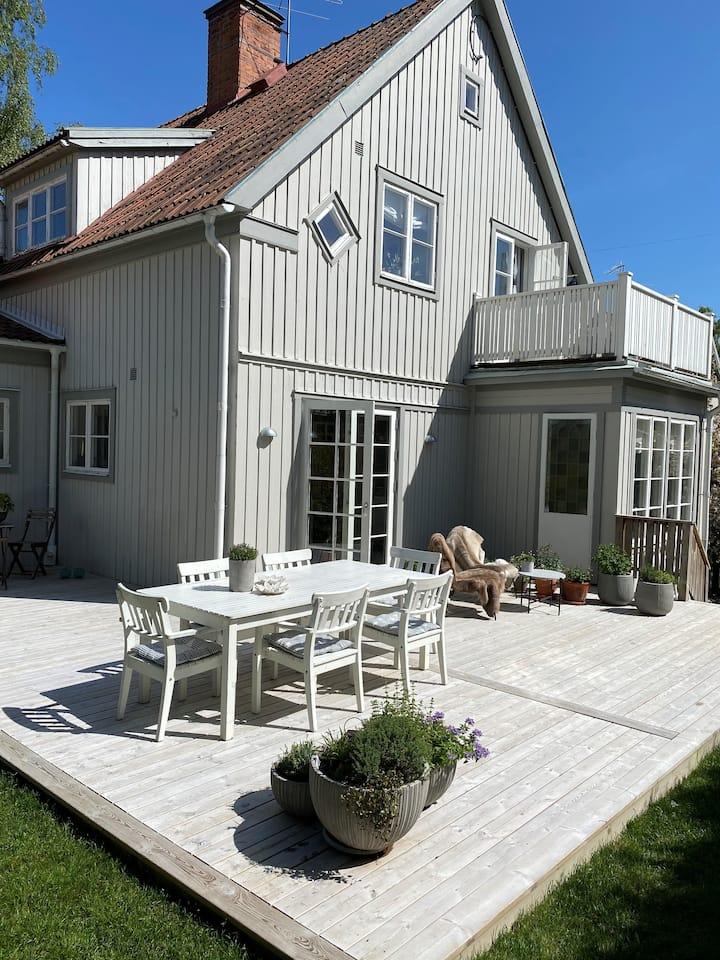 Vackert 20-tals hus mitt i Bromma, Stockholm