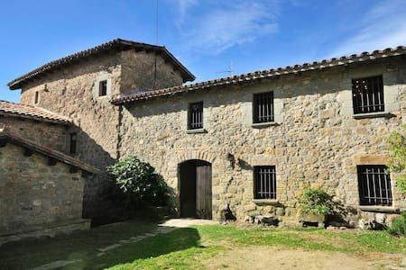 Medieval Castle for 6 people - Llaés