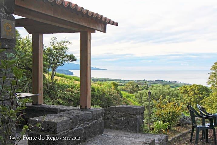 Casas Fonte do Rego - Açores - Hus