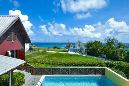 Modern 3 bedroom ocean view villa