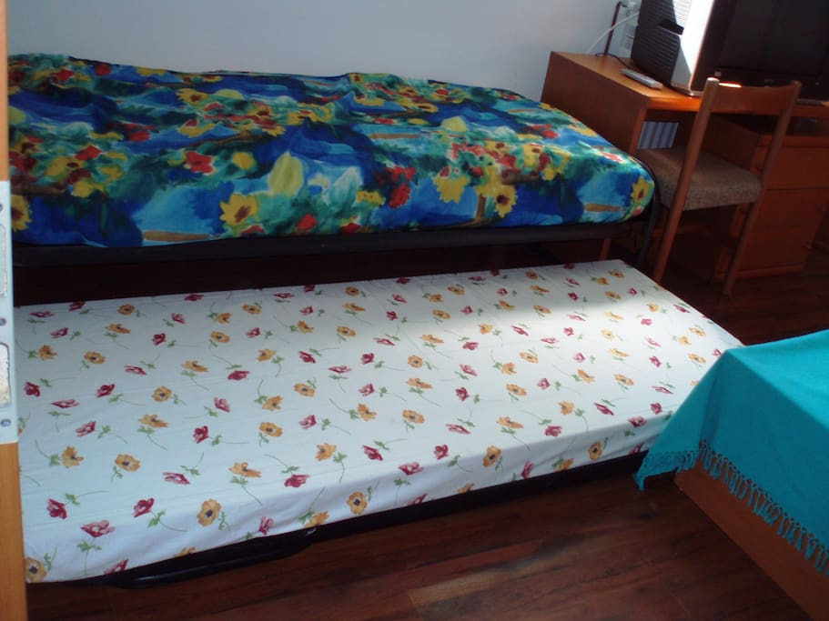 4 TH BED