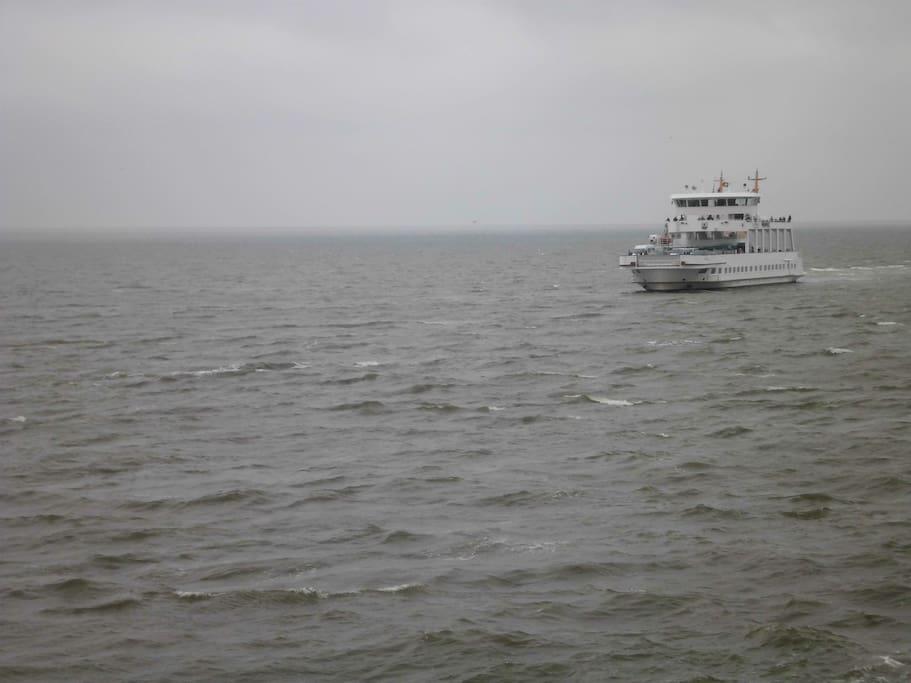 Mit der Fähre von Norddeich ( 10 Minuten entfernt) in 45 Minuten auf der Insel NorderneyFüge eine Bildunterschrift hinzu