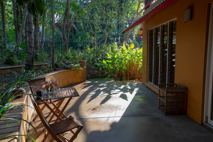 Bamboo Bedsit - a Tropical Hideaway