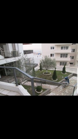 Brand New cozy flat - Tiranë - Apartment