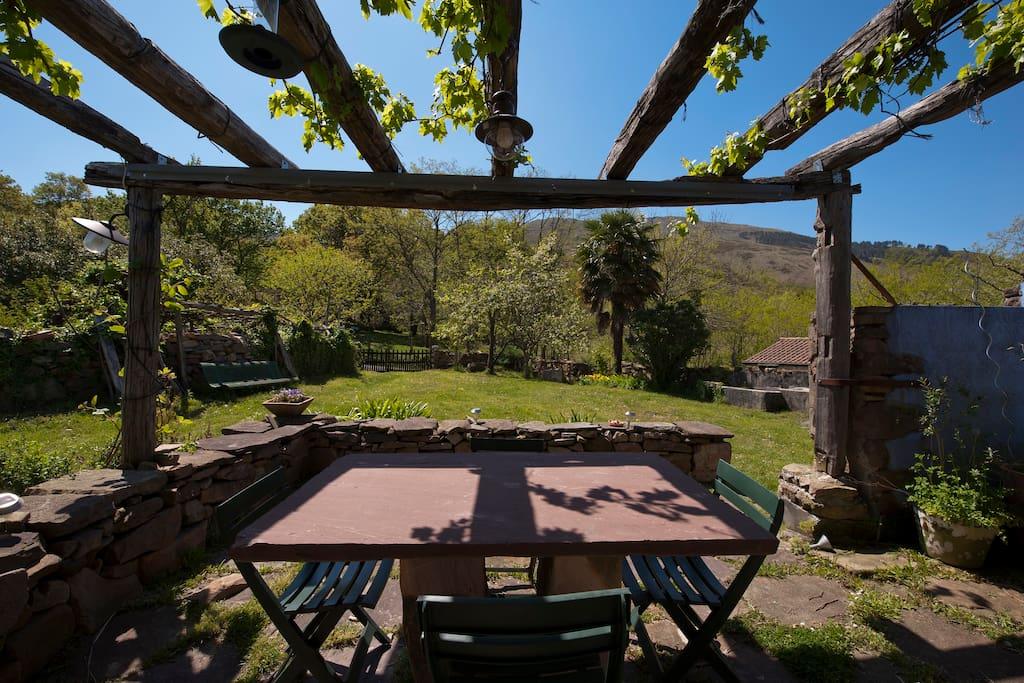 La terrasse par une belle journée ensoleillée...