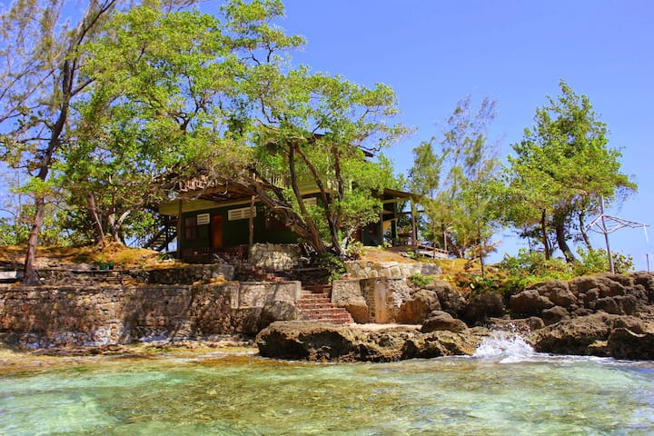 3 bedroom beach villa in Jamaica