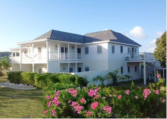 Spacious House in Exclusive Resort - Antigua - House