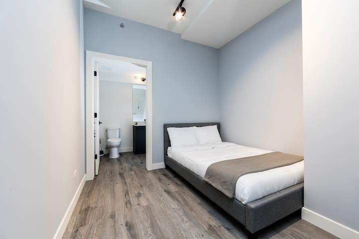 Elegant 4 bedroom Apartment in The Loop