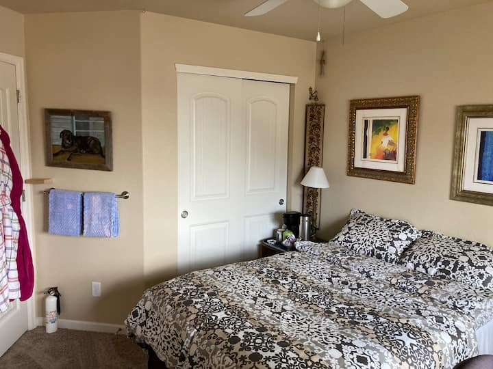 Private bedroom in Loveland