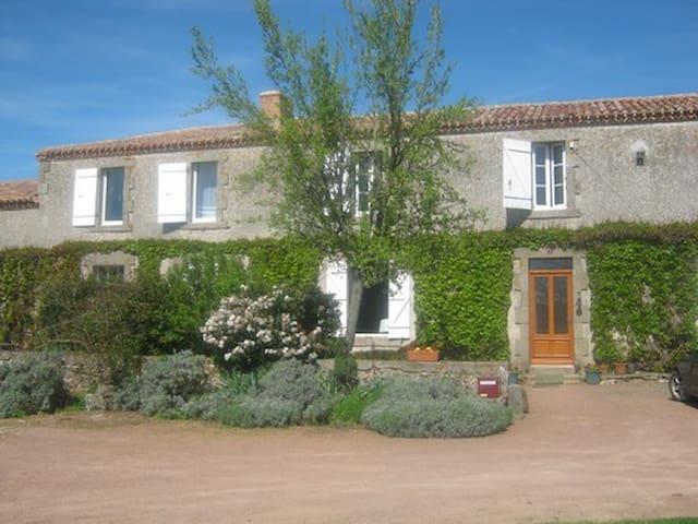 La petite Maison B & B, - Sainte-Gemme - Szoba reggelivel