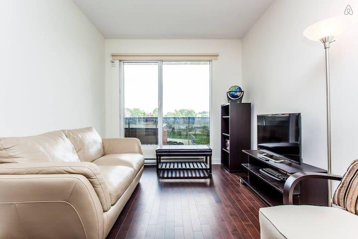 Near Metro, Wal-Mart, Gym, Pool etc - Montréal - Appartement en résidence