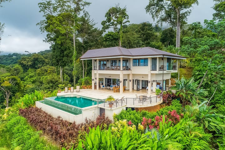 Luxurious jungle retreat w/ private infinity pool & panoramic ocean views!