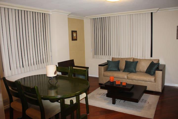Suite. Great location, Comfortable - Quito - Appartamento