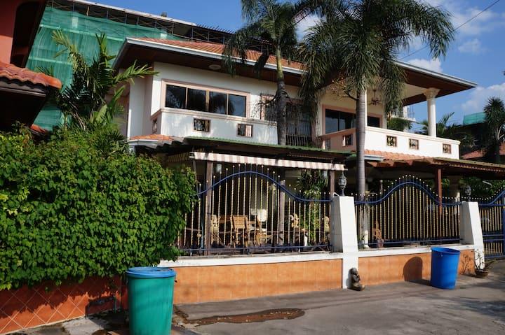 3 bd in Pattaya awesome furniture