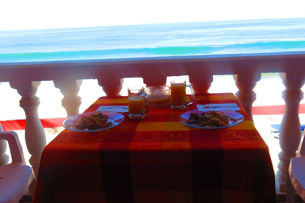 Deck breakfast