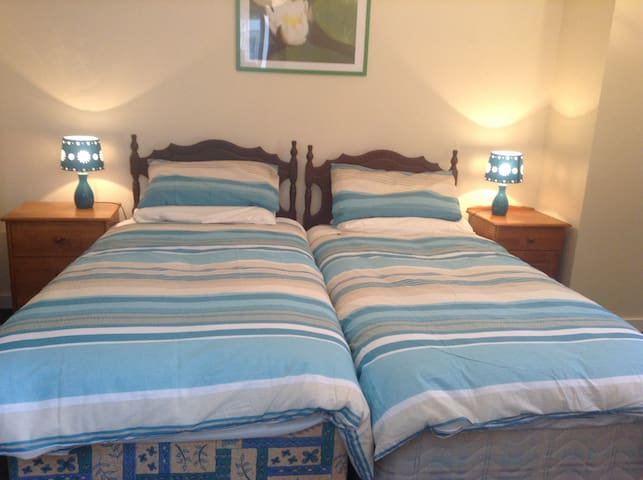 Twin beds in the 2nd Bedroom