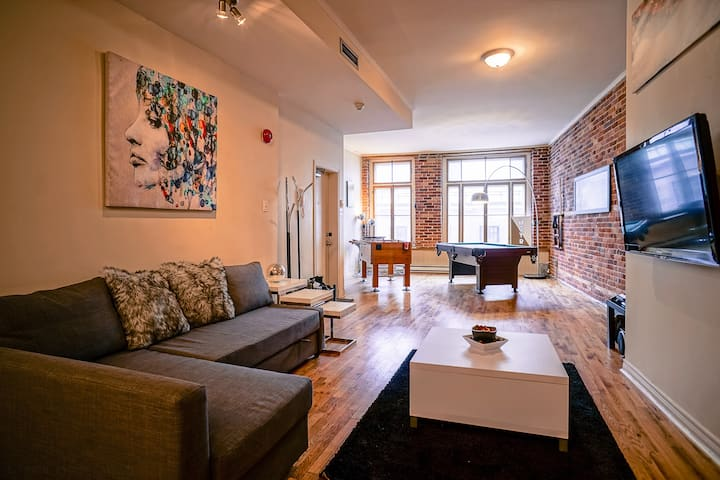 Spacious Lounge Loft in Old MTL