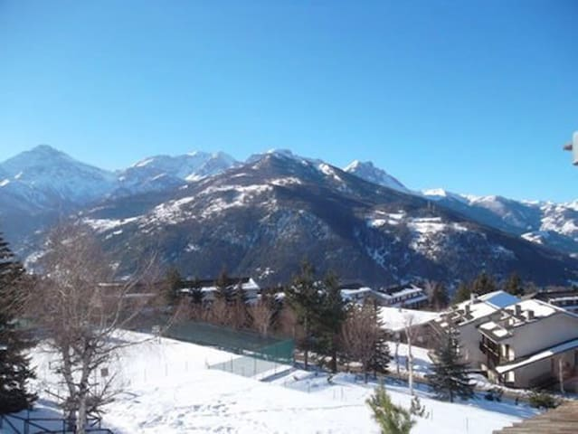 Via Lattea lovely location- Excellent ski season!