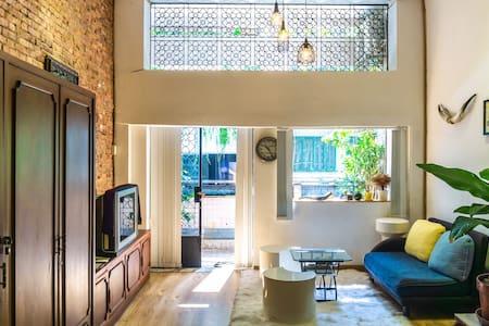 D-HOME 50 steps to Ben Thanh market, Dist 1 (G01)