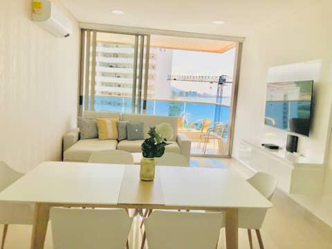 Nuevo apartamento frente al mar. Club de playa.