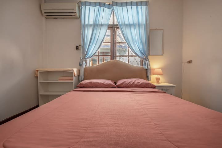 #Queen Bedroom in Chatuchak district.