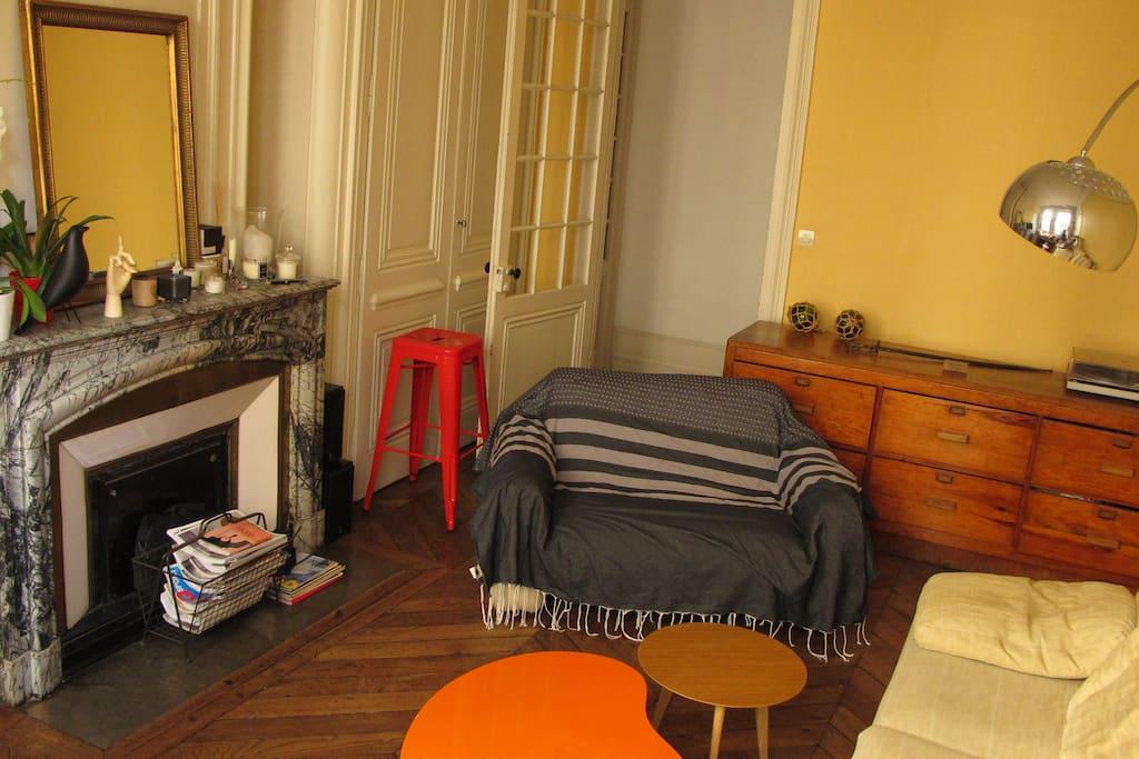 bel appartement au coeur de lyon flats for rent in lyon rh ne alpes france. Black Bedroom Furniture Sets. Home Design Ideas