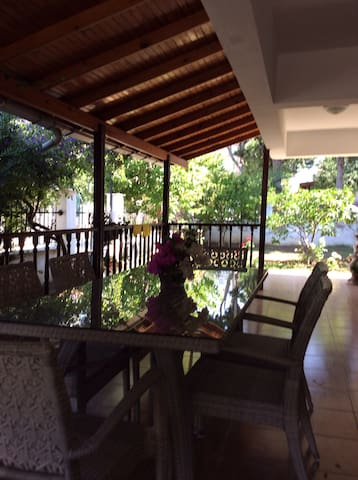 100m from the sea with big garden - Menderes - House