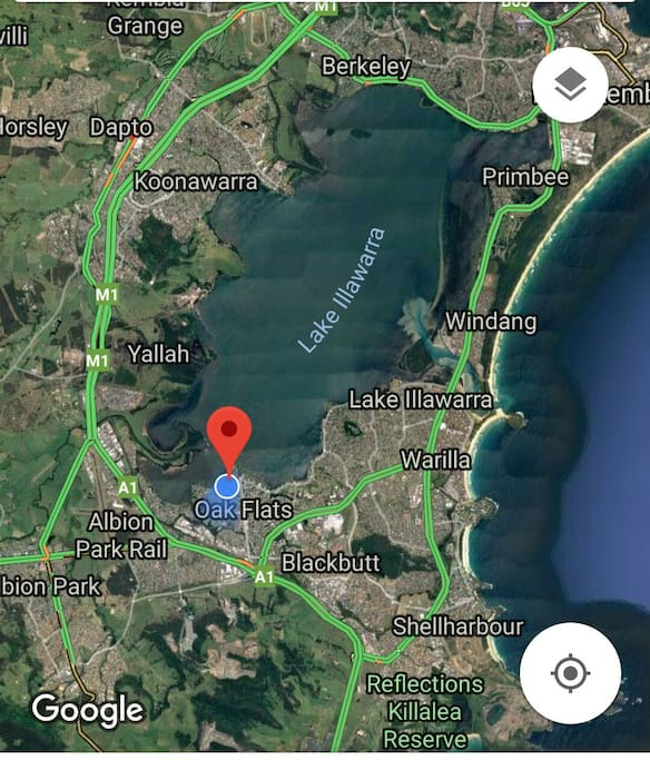 Situated right on the lake and close to some beautiful beaches Kiama Shellharbour Jamberoo etc