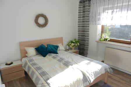 Schöne kl. Wohnung nähe Stadtpark - Neumarkt - Apartment