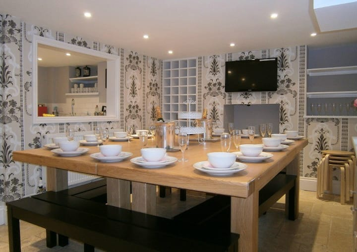 Central Brighton Seafront sleeps 6 to 16