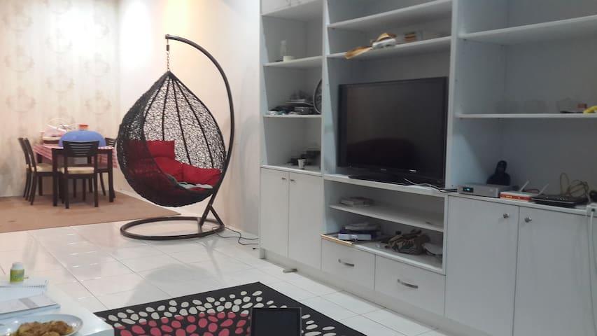 Cosy & spacious townhouse - Kuala Lumpur - Casa
