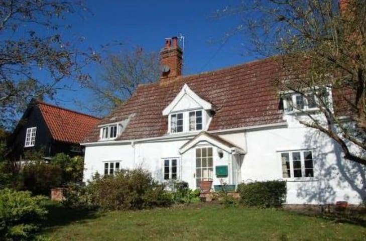 Beautiful 17th century cottage - Lower Hacheston - Talo