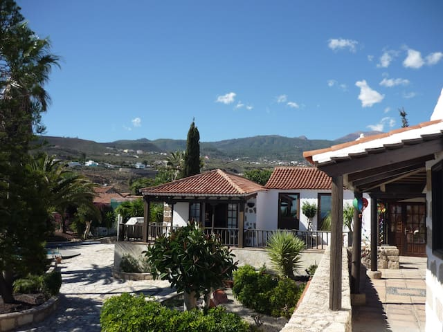 Villa Las palomas,sea &mountain view