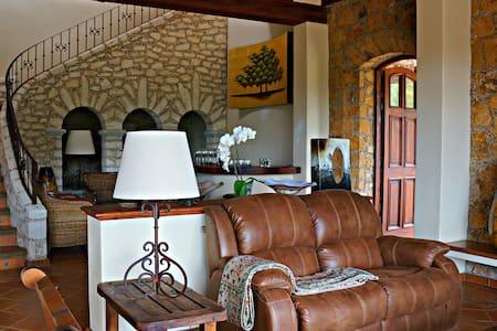 Great and Luxury Casa Barranqueña