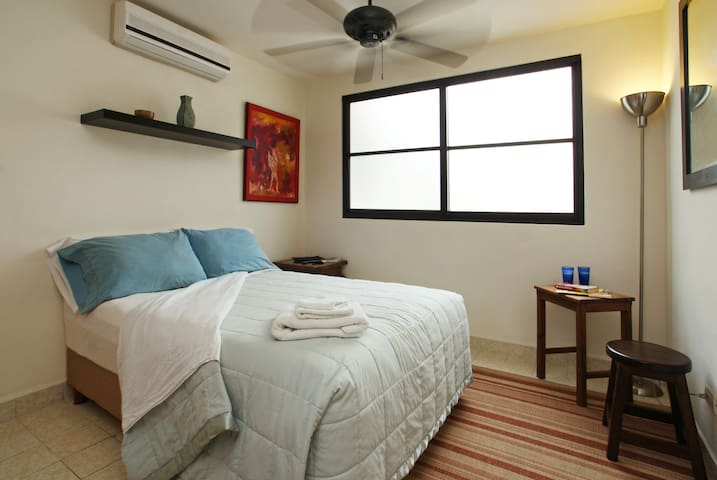 Clean and Bright with Free Internet - Cancún - Apartamento