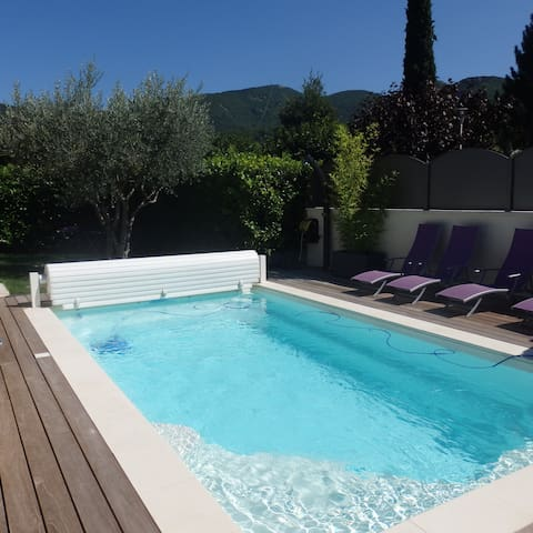 Maison et piscine tout confort en provence Nyons - Nyons - House