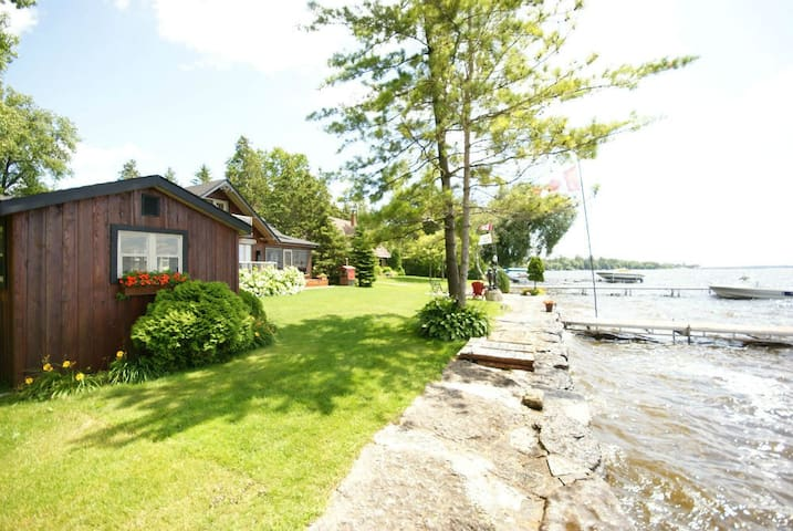 Tuscany Place on Sturgeon Lake
