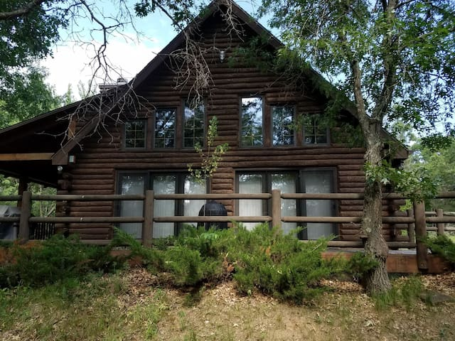 Duck Point Retreat Chalet/Sand Valley Location
