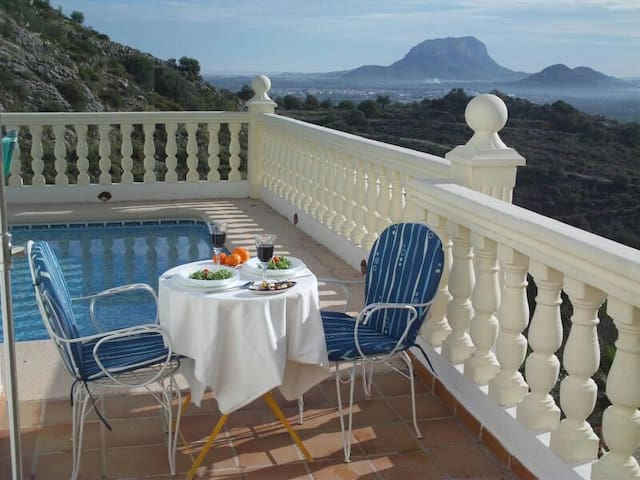 Amazing views in tranquil location - Alicante - Apartemen