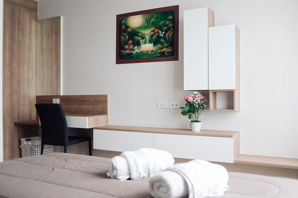 We decorate the room with lovely nature scenery.