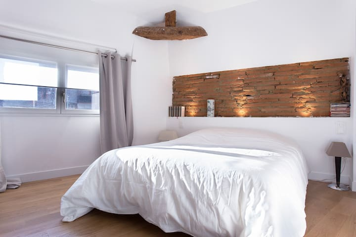Centre ville avec cachet + parking - Toulouse - Apartment