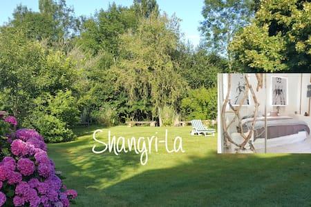 Room Shangri-La -Les Clés d'Auriane - Grumesnil