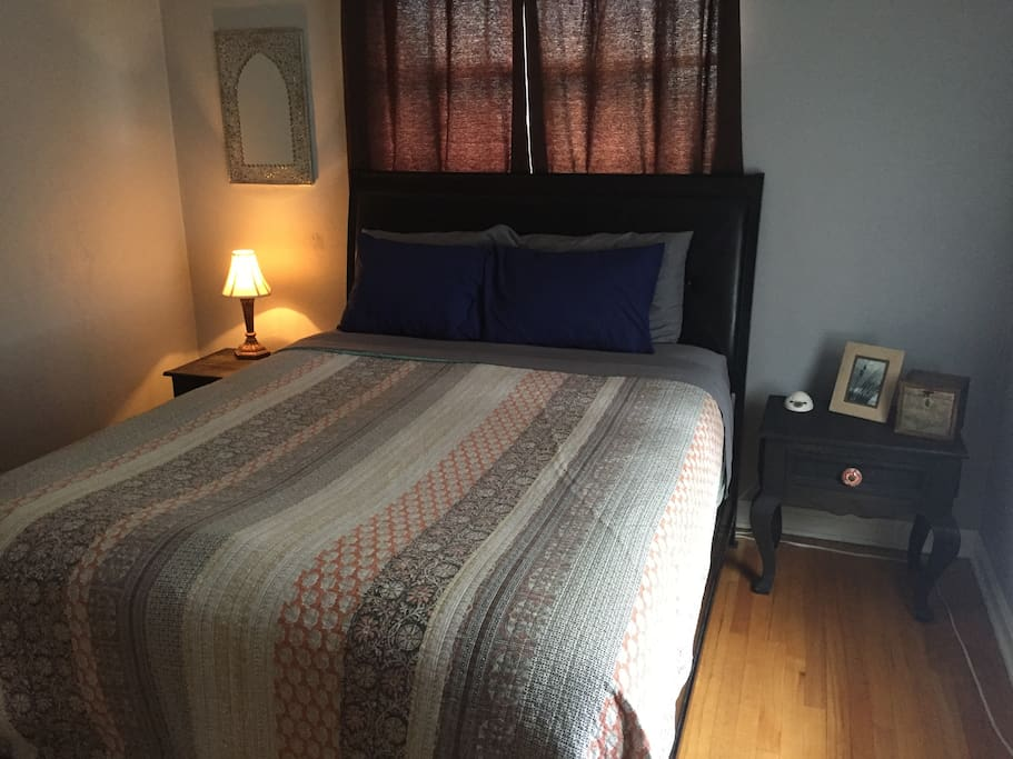 Guest room with pillow top mattress