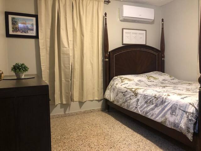 Master room,queen bed,tv and a/c