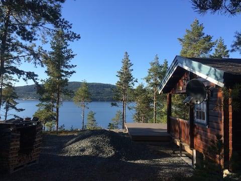 Åsenfjord - koselig hytte ved sjøen