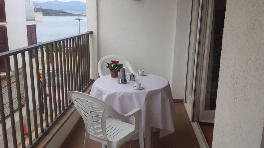 Apartamento Primera Línea de mar - El Port de la Selva - Lejlighed