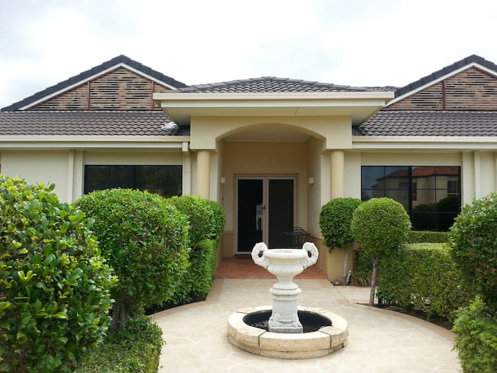 Nice home - central to everything on Gold Coast.