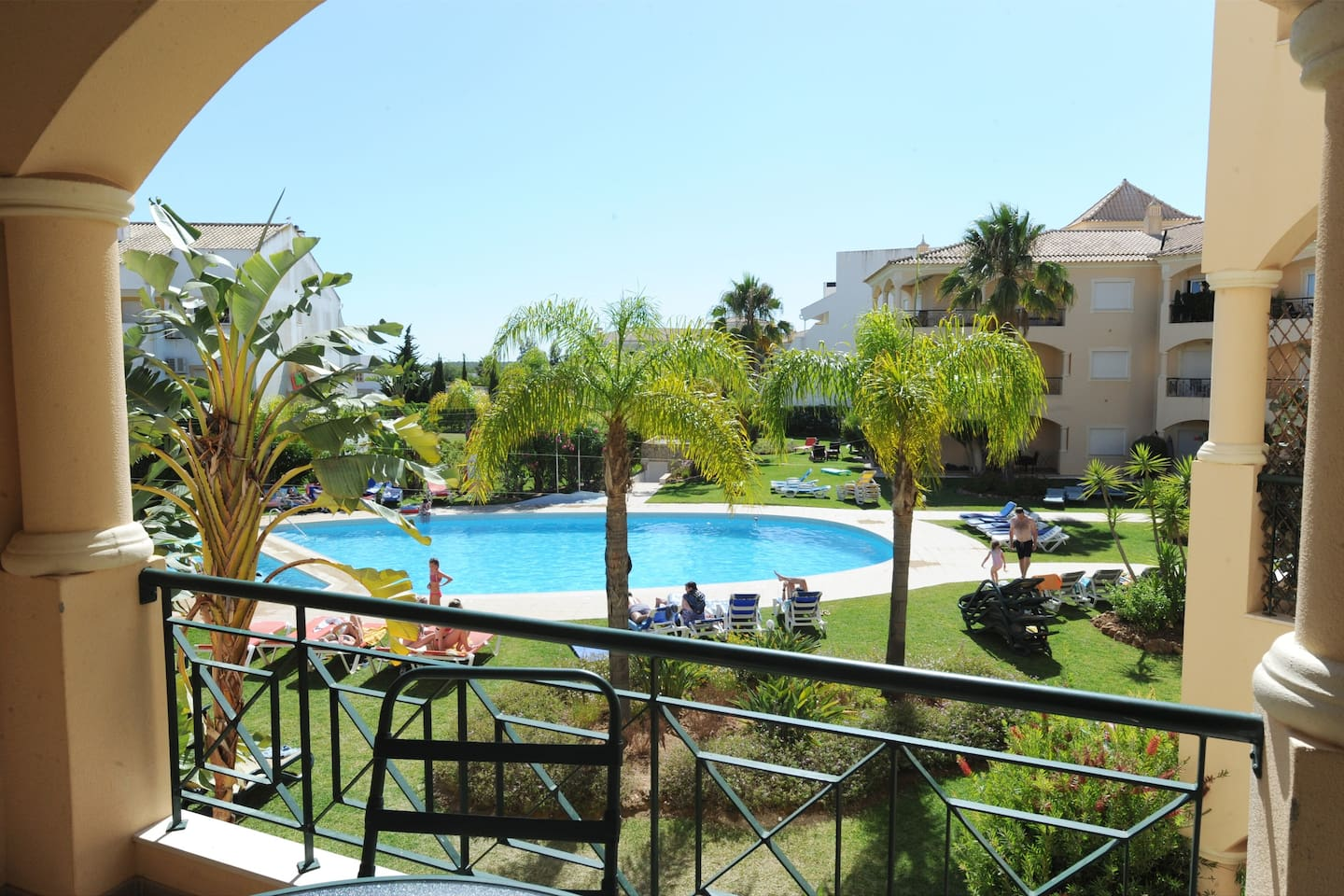 UNWIND.ENJOY.RELAX  Nice unobstructed view of the pool from the balcony.